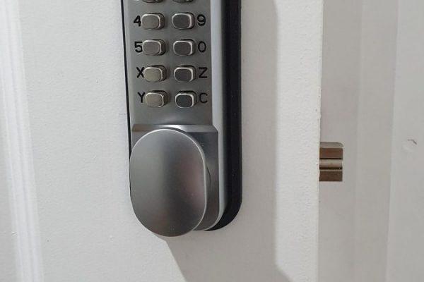 Huntingdon digi lock fitting
