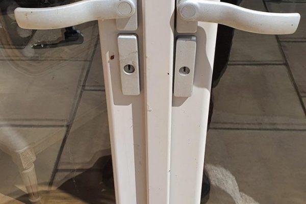 Huntingdon locksmith bi fold handles
